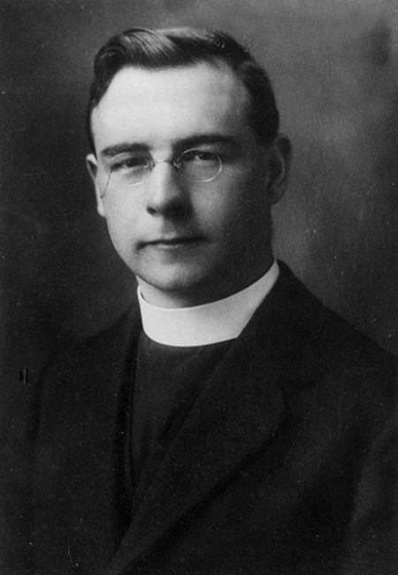 Rev Andrew MacBeath